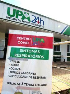 Totem na entrada da UPA de Santo Ângelo indica o local do 'centro covid'