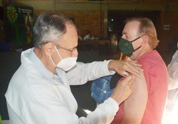 Vacinação-COVID-19-Copy-360x250.jpg