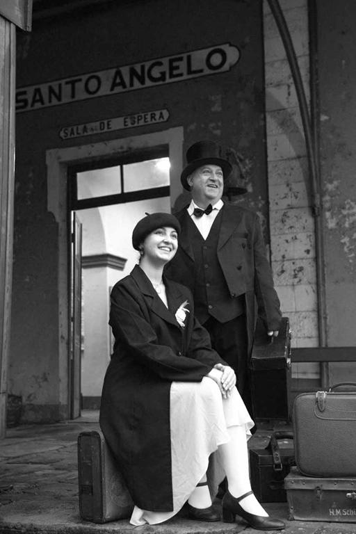 Foto: Edegar Cavalheiro | Paulo Prado e Sandy Daiany Couto na antiga estação ferroviária de Santo Ângelo