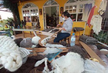 Dalva-pereira-Motchi-artesã-de-São-Miguel-das-Missões-Tecelagem-Copy-370x250.jpg