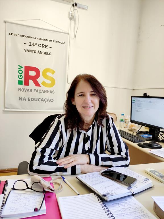 A coordenadora Regional de Educação da 14ª CRE, Rosa Maria de Souza