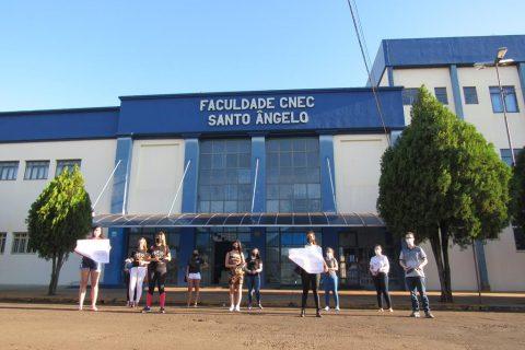 O panelaço contou a participação de  um representante de cada curso para evitar aglomerações