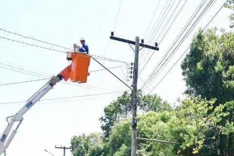 Implantação de lâmpadas de LED na zona urbana de Santo Ângelo - Foto Fernando Gomes